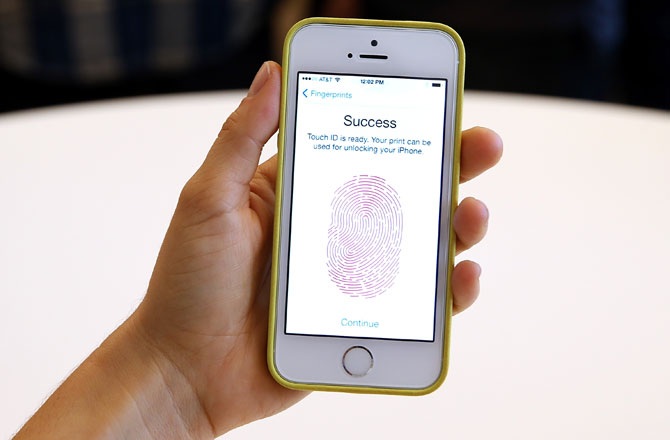 fingerprint lock best case for iphone 5ciPhone 5s vs Galaxy S4  What Should You Buy    Discovery News wCTDSexs