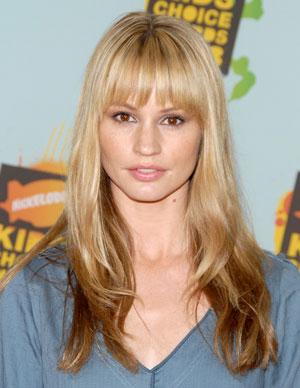 fringe bangs blondeLong hair with bangs Hair Fashion trends o9QVOsxi