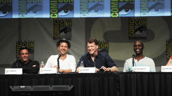 fringe comic con panelComic Con 2012  Fringe Cast Bids a Tearful Goodbye Reflects on qmxSaU1A
