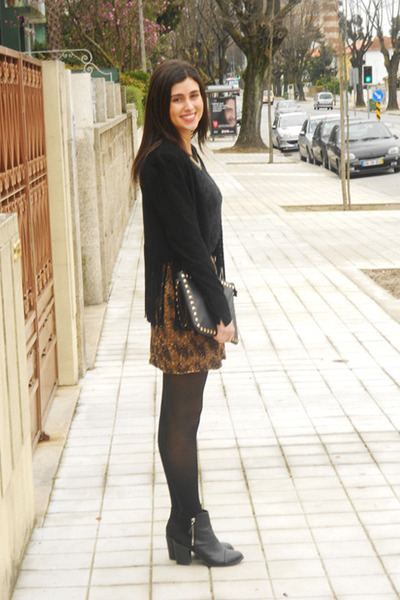 zara black fringe jacketBlack Fringed Zara Jackets Black HM Boots Black Zara Shirts ql03PnTs